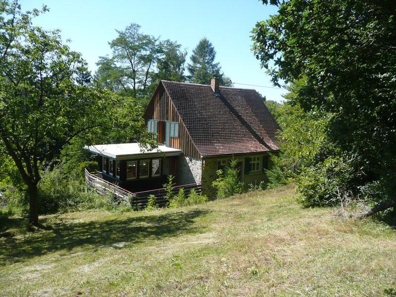 kleines landhaus immobilien schweizer. Black Bedroom Furniture Sets. Home Design Ideas